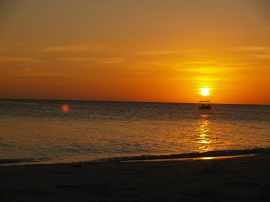 Amanpulo: Spectacular Sunsets