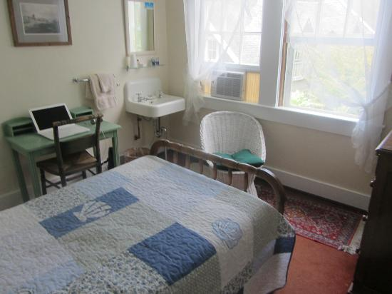 Barnacle Inn: single room
