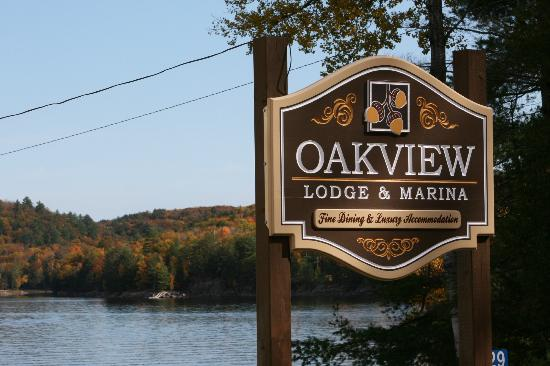Oakview Lodge & Marina