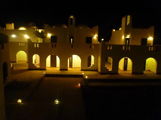 Daniela Village Dahab: Hotel by night