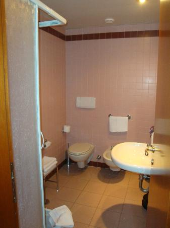 Residenza Madri Pie: Bathroom is very clean