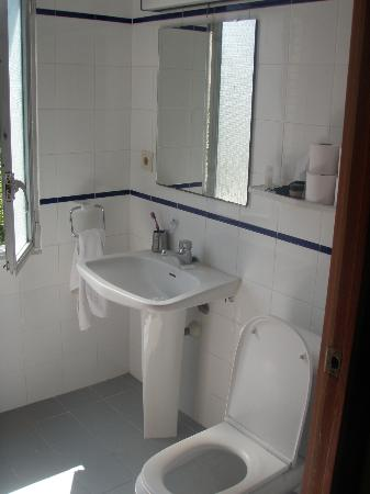 Vina del Mar Apartments: BATHROOM