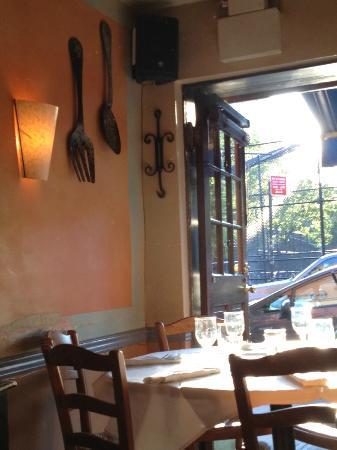 Chez Jacqueline: such a cute place