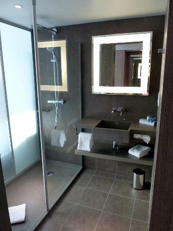 la salle de bain - photo de novotel lyon confluence, lyon ... - La Salle De Bains Lyon