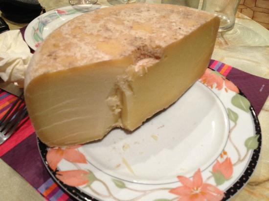 Hotel De Londres : MMmmmm Cheese