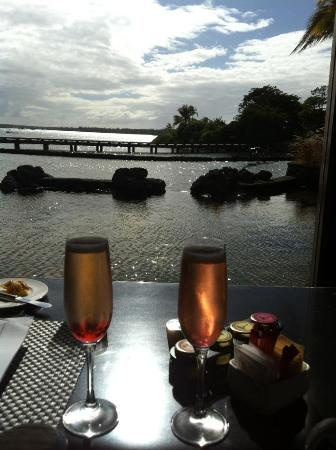 Four Seasons Resort Mauritius at Anahita: Our breakfast view :)