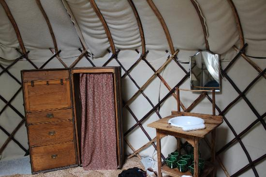 Yurt Holiday Portugal: Great vintage style