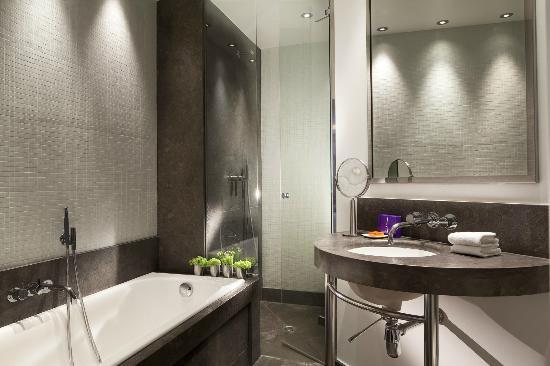 Hotel Le A: Salle de bains