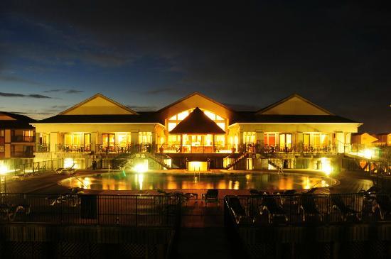 The Isles Restaurant & Tiki Bar : Oceanfront Dining
