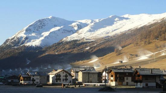 Carosello 3000 - Ski Area Livigno: Winter. Snow-makers at work.