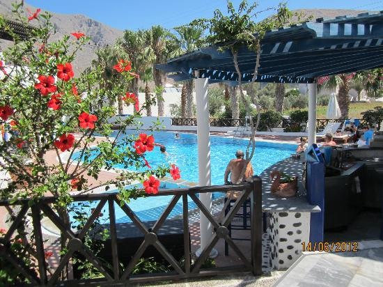Kouros Village Hotel: View from behind the pool bar