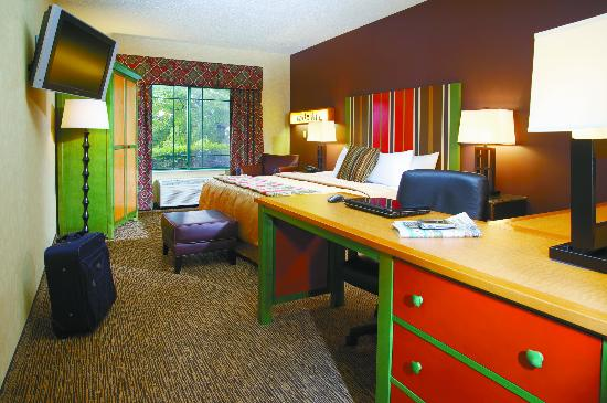 Wildwood Lodge: King room with Executive Desk