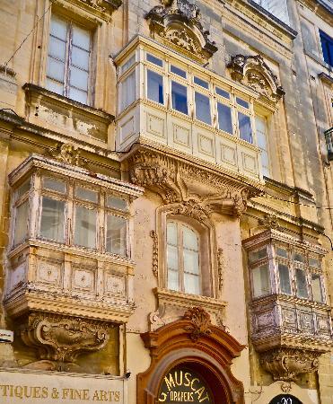 Gallerias, Valletta