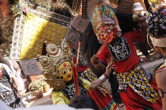Cultural Dance @ Cosy Hotel