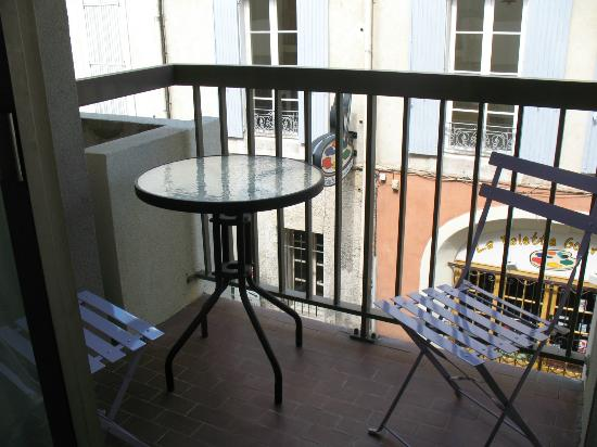 Hotel des Tuileries : balcony