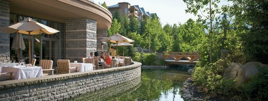 Four Seasons Resort and Residences Whistler: Outdoor Dining