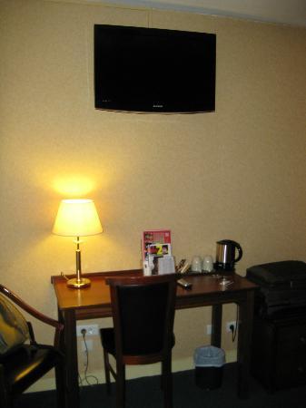 Classics Hotel Parc des Expositions: Room