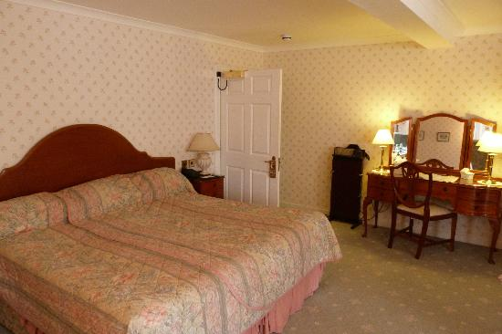Kirroughtree House Hotel: Huge comfy bed