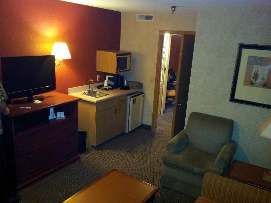 BEST WESTERN PLUS Rama Inn: 2Q suite in front room