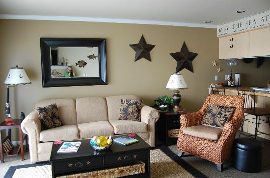 The Landing at Newport Condominium-Hotel: Luxury Living