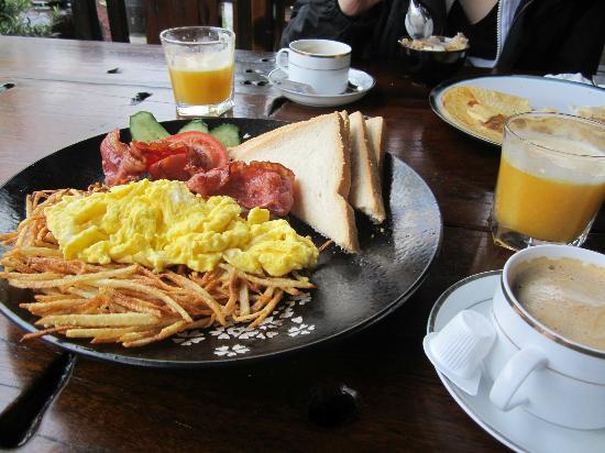 Yangshuo Tea Cozy: our scrumptious breakfast