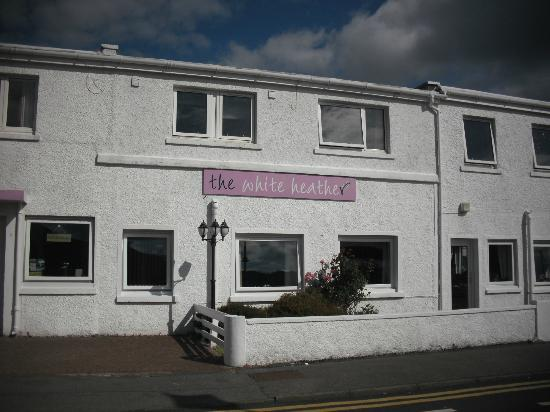 White Heather Hotel: The front of the hotel