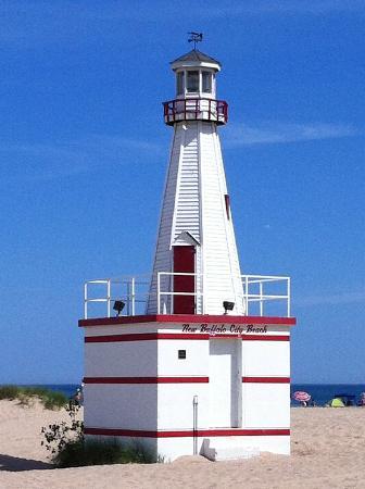 "New Buffalo Public Beach : beachfront ""lighthouse"""