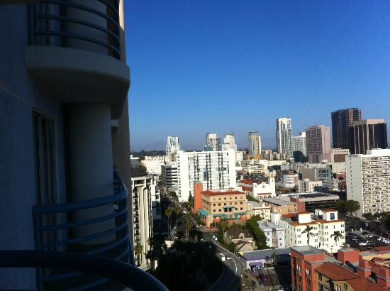 Doubletree Hotel San Diego Downtown: room view on balcony