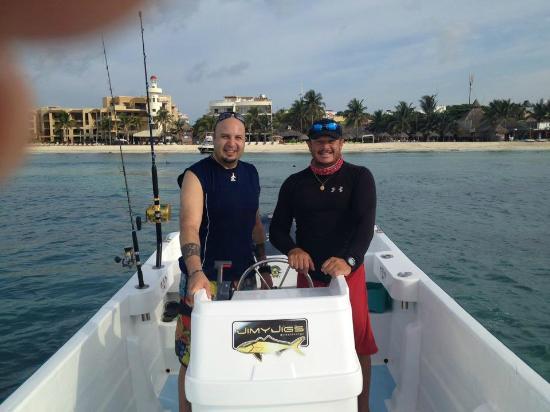 Fishing with Roberto Navarro : Un día de pesca con el Capt. Wearever (Mi hermano)
