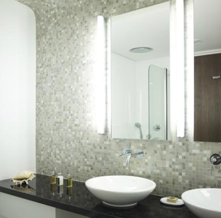 Sunrise Pearl Hotel & Spa: Bathroom