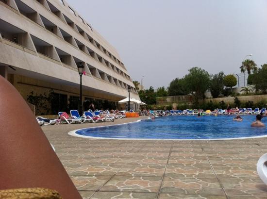 Las Piramides: poolside