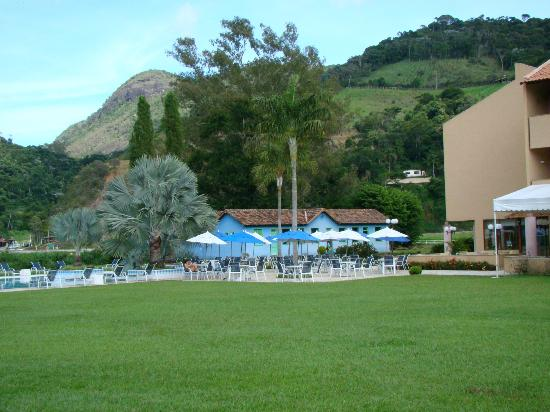 Hotel Vale Real Itaipava: gramado + piscina