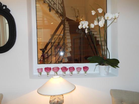 Jays Paris: Stairs to upper floors