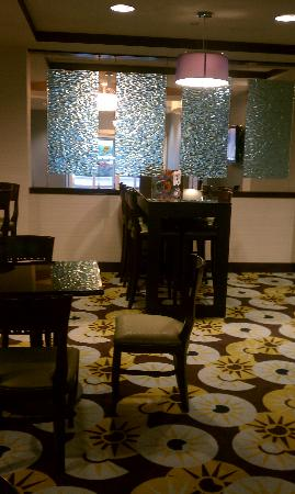 Holiday Inn Express Hotel & Suites Largo-Clearwater: Breakfast area