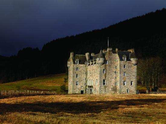 ‪Castle Menzies‬