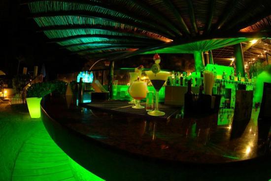 The Reef Playacar: Nico's Lounge Bar