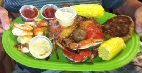 Peace River Seafood: crab cake, shrimp, blue crabs=delicious