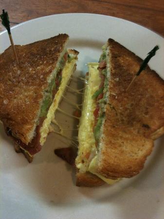Sweet n Savory Cafe: The California-Dixie breakfast sandwich