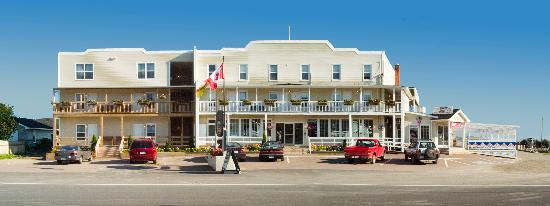 Parkland Village Inn