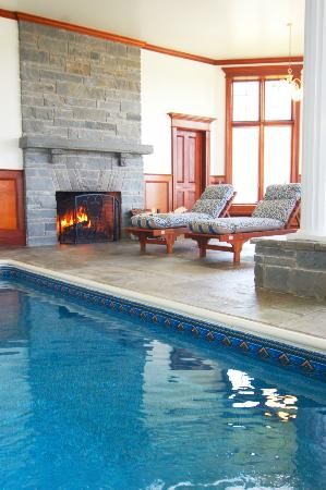B&B Ranch: Indoor Pool