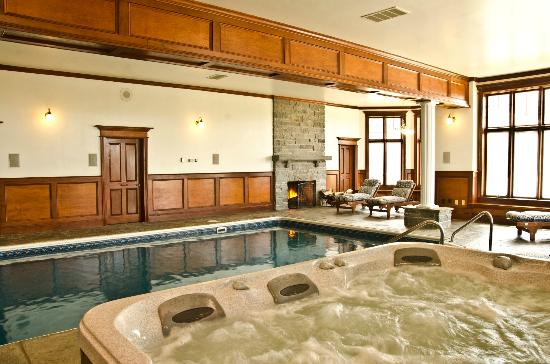 B&B Ranch: Indoor Pool and Spa