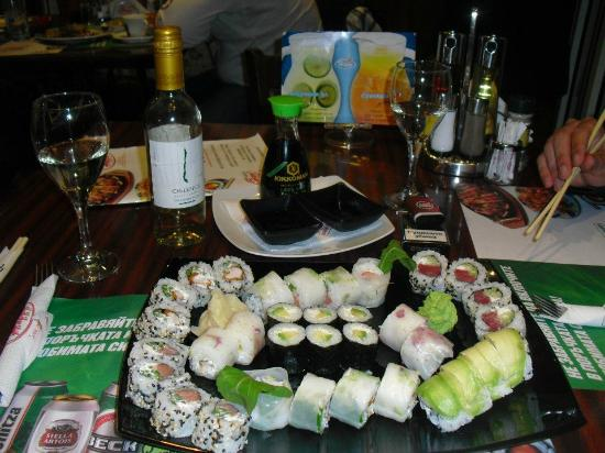 Happy Bar & Grill : Really good sushi, in Bulgaria, wow