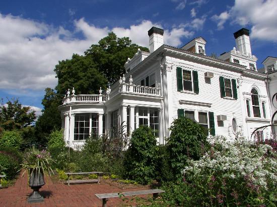 The Frelinghuysen Arboretum: Colonial Rivival Mansion