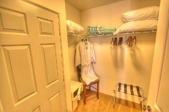 La Quinta Vacations Rental: Walk-In Closet