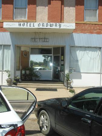 Hotel Ordway : front of hotel