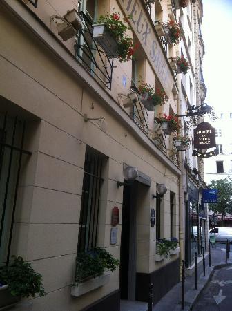 Hôtel du Vieux Saule : La façade
