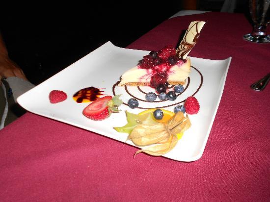 Chez Borivage: Cheesecake with Wild Berries Chutney