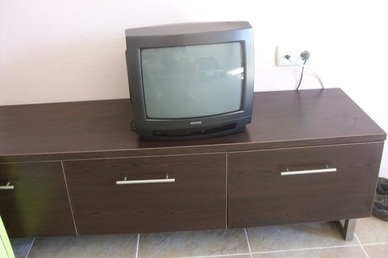 Club Amarissa: Aparently this is the flat screen TV every apartment is supposed to have lol...