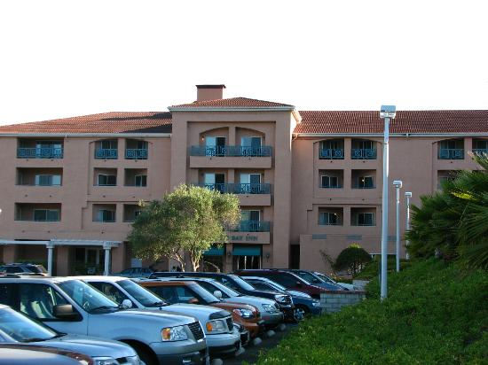 San Luis Bay Inn : Outside the hotel
