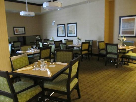 Hilton Garden Inn Arlington/Shirlington: Nice and clean dining area